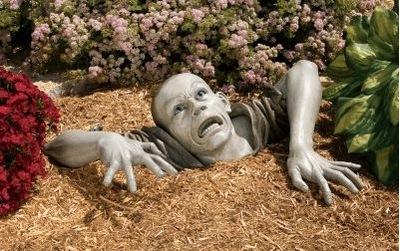 Zombiegardensculpture