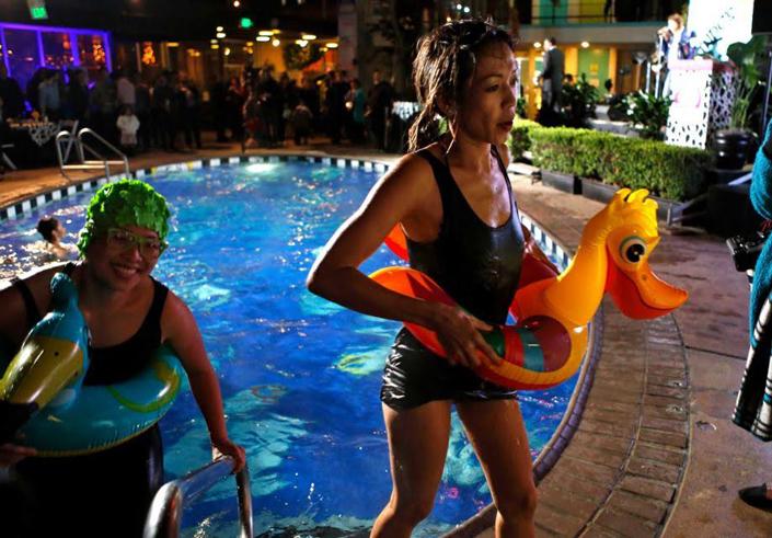celebrity-pool1